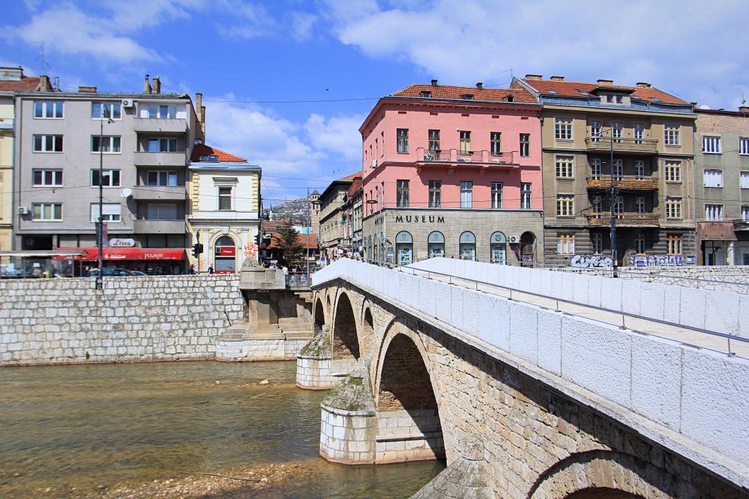 萨拉热窝桥